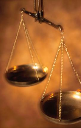 Peritos Judiciales y Terceros